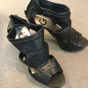 G by guess 6.5 black cage sandals